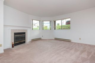Photo 7: 101 1597 Mortimer St in : SE Mt Tolmie Condo for sale (Saanich East)  : MLS®# 855808