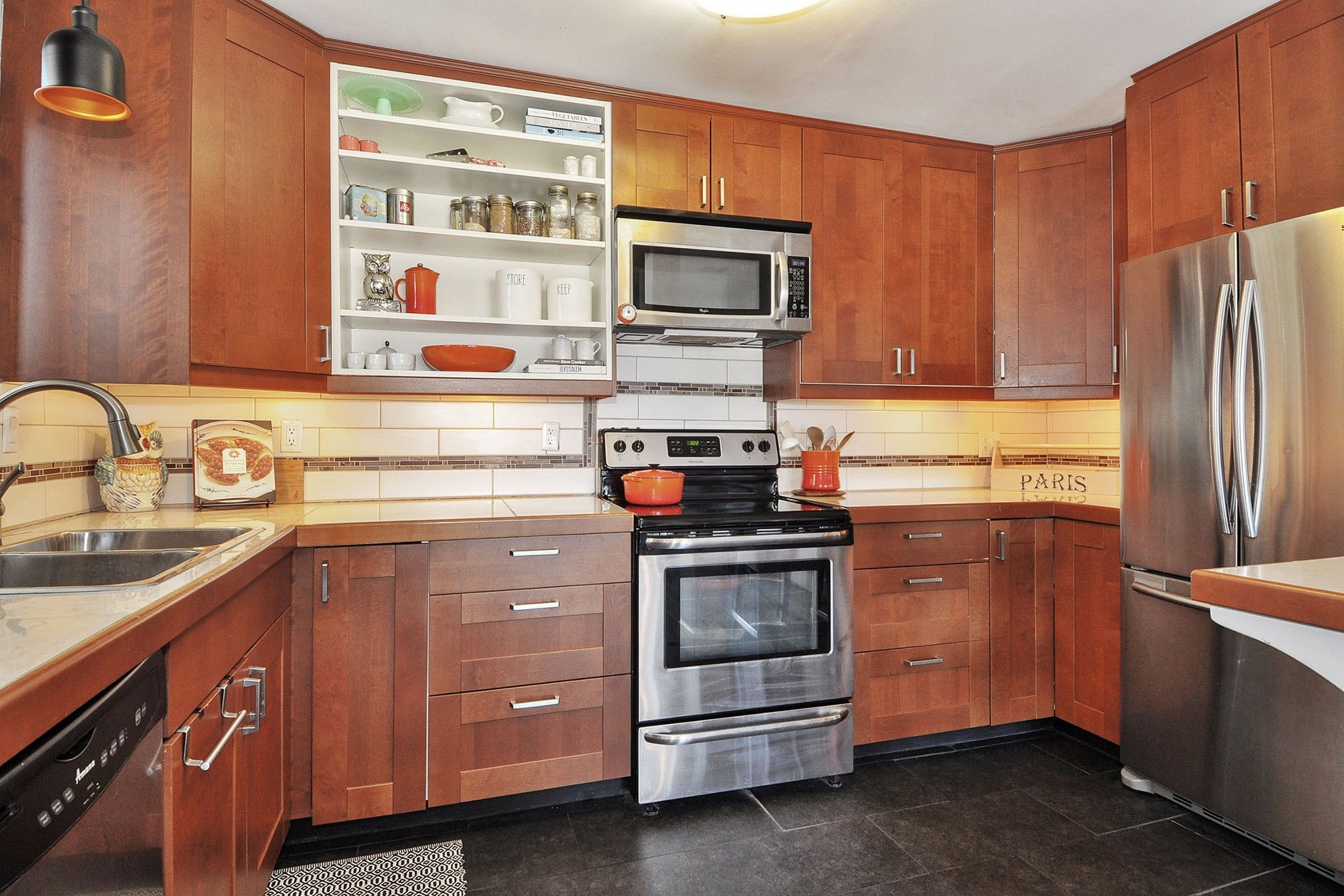 """Photo 8: Photos: 302 391 E 7TH Avenue in Vancouver: Mount Pleasant VE Condo for sale in """"OAKWOOD PARK"""" (Vancouver East)  : MLS®# R2352076"""