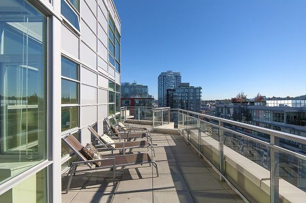 """Photo 15: Photos: 1101 88 W 1ST Avenue in Vancouver: False Creek Condo for sale in """"THE ONE"""" (Vancouver West)  : MLS®# R2234746"""