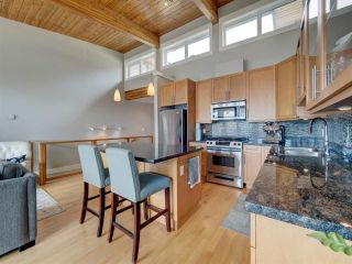 """Photo 12: 6498 WILDFLOWER Place in Sechelt: Sechelt District Townhouse for sale in """"Wakefield Beach - Second Wave"""" (Sunshine Coast)  : MLS®# R2589812"""