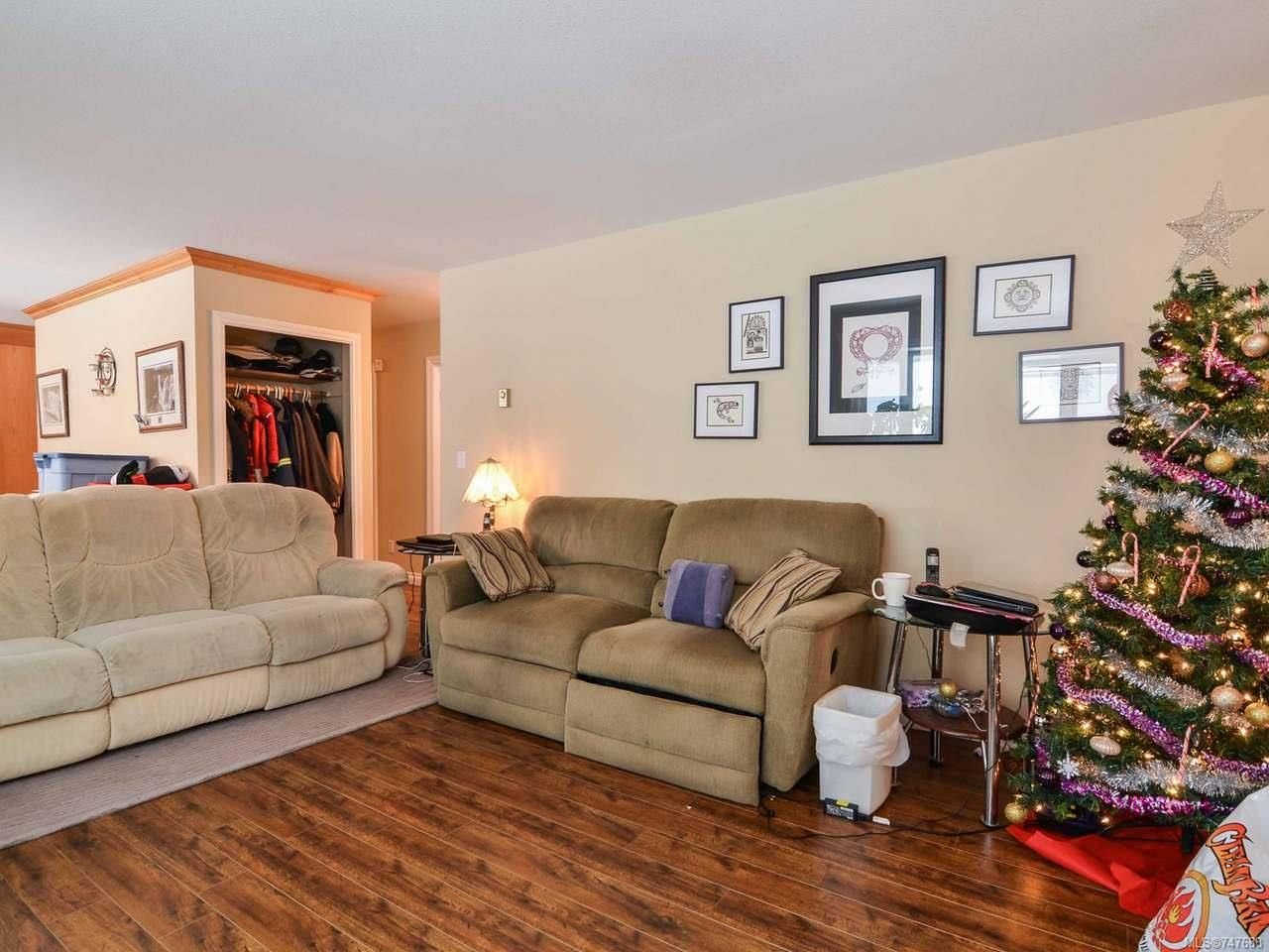 Photo 11: Photos: 228 Crawford Rd in CAMPBELL RIVER: CR Campbell River South House for sale (Campbell River)  : MLS®# 747688