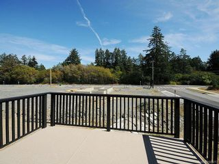 Photo 12: 3343 Merlin Rd in Langford: La Luxton House for sale : MLS®# 655013