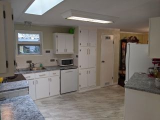 """Photo 18: 19 2306 198 Street in Langley: Brookswood Langley Manufactured Home for sale in """"CEDAR LANE SENIORS PARK"""" : MLS®# R2497884"""