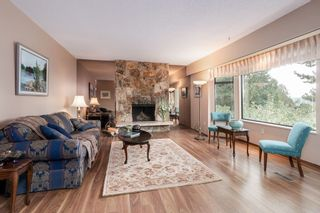 Photo 3: 324 DARTMOOR DRIVE in Coquitlam: Coquitlam East House for sale : MLS®# R2207438