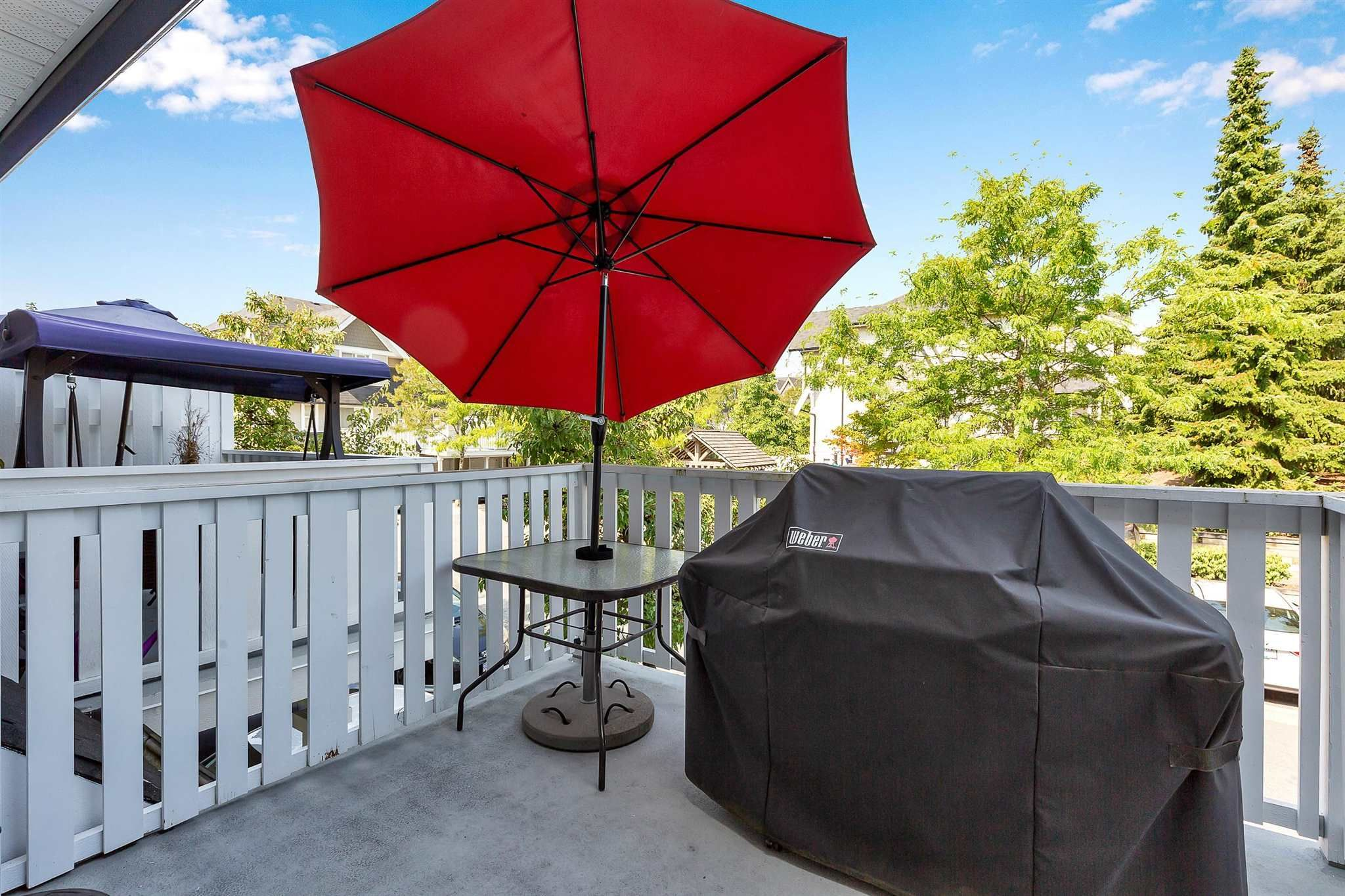"""Photo 26: Photos: 9 15871 85 Avenue in Surrey: Fleetwood Tynehead Townhouse for sale in """"Huckleberry"""" : MLS®# R2606668"""