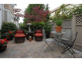 Photo 16: 3850 Stamboul St in VICTORIA: SE Mt Tolmie Row/Townhouse for sale (Saanich East)  : MLS®# 506852