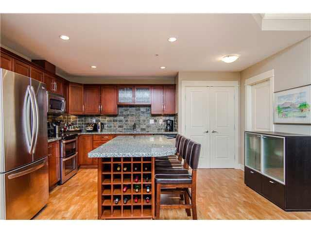 """Photo 11: Photos: 210 5430 201 Street in Langley: Langley City Condo for sale in """"THE SONNET"""" : MLS®# F1418321"""