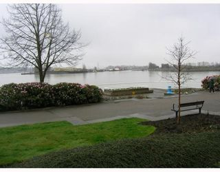 "Photo 7: 102 12 K DE K Court in New_Westminster: Quay Condo for sale in ""DOCKSIDE"" (New Westminster)  : MLS®# V759145"