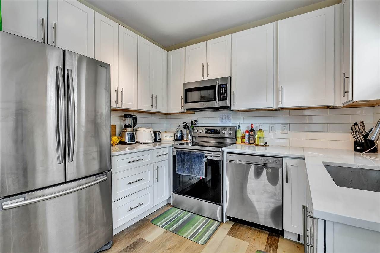 """Photo 16: Photos: 217 8142 120A Street in Surrey: Queen Mary Park Surrey Condo for sale in """"Sterling Court"""" : MLS®# R2539103"""
