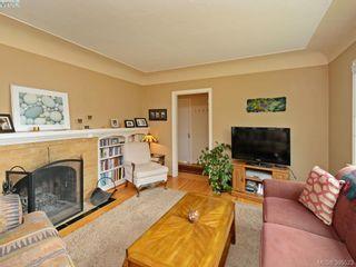 Photo 3: 2084 Neil St in VICTORIA: OB Henderson House for sale (Oak Bay)  : MLS®# 793053
