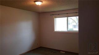 Photo 4: 239 Oakview Avenue in Winnipeg: Residential for sale (3D)  : MLS®# 1827993