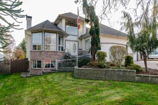 "Photo 2: 27080 25 Avenue in Langley: Aldergrove Langley House for sale in ""ALDERGROVE"" : MLS®# R2418547"