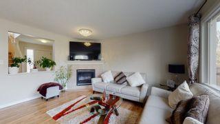 Photo 3: 1510 HODGSON Close in Edmonton: Zone 14 House for sale : MLS®# E4246398