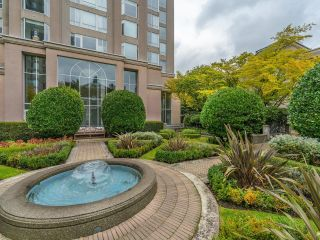 """Photo 2: 107 2628 ASH Street in Vancouver: Fairview VW Condo for sale in """"Cambridge Gardens"""" (Vancouver West)  : MLS®# R2626002"""