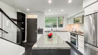 Photo 4: 202 1961 COLLINGWOOD Street in Vancouver: Kitsilano Townhouse for sale (Vancouver West)  : MLS®# R2619737