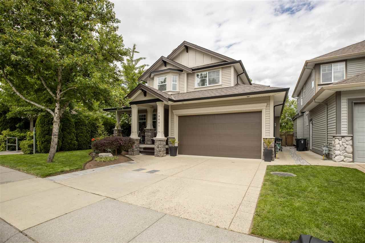 Main Photo: 19661 73B Avenue in Langley: Willoughby Heights House for sale : MLS®# R2463590