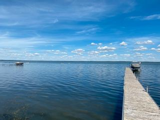 Photo 3: 330 Crystal Springs Close: Rural Wetaskiwin County House for sale : MLS®# E4265020