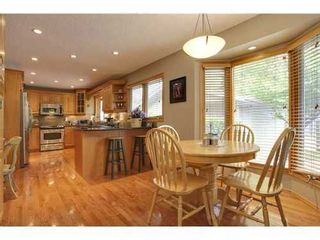 Photo 2: 439 PARKVIEW Crescent SE in Calgary: Bungalow for sale : MLS®# C3526414
