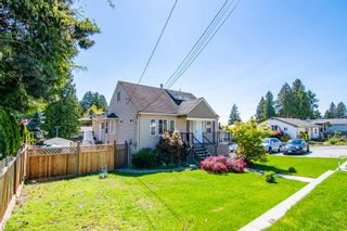 Photo 1: 4722 RUMBLE Street in Burnaby: South Slope House for sale (Burnaby South)  : MLS®# R2356729
