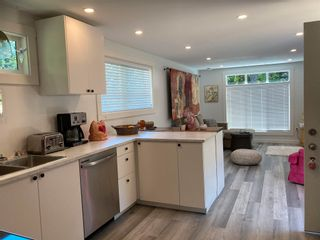 """Photo 14: 177 1413 SUNSHINE COAST Highway in Gibsons: Gibsons & Area Manufactured Home for sale in """"THE POPLARS"""" (Sunshine Coast)  : MLS®# R2604177"""