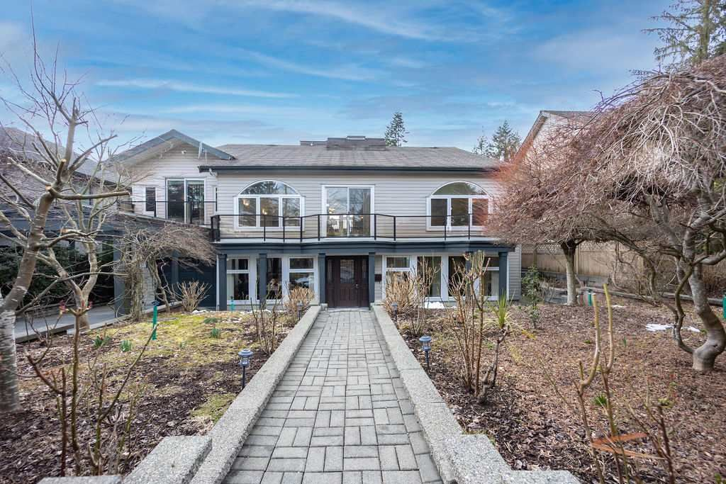Main Photo: 948 BLUE MOUNTAIN Street in Coquitlam: Coquitlam West House for sale : MLS®# R2544232
