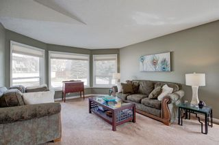 Photo 2: 96 Wood Valley Rise SW in Calgary: Woodbine Detached for sale : MLS®# A1094398