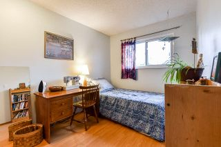 """Photo 13: 7462 13TH Avenue in Burnaby: Edmonds BE Townhouse for sale in """"The Poplars"""" (Burnaby East)  : MLS®# R2513858"""