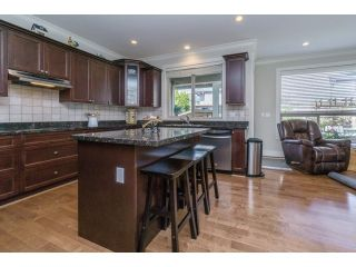 """Photo 11: 5915 164TH Street in Surrey: Cloverdale BC House for sale in """"WEST CLOVERDALE"""" (Cloverdale)  : MLS®# F1439520"""