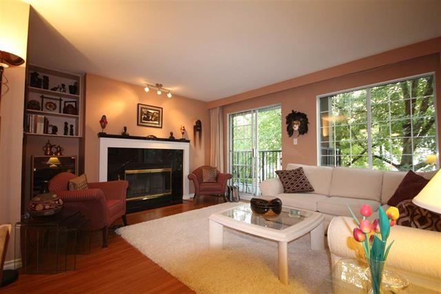 Photo 2: Photos: #203-925 W 15TH AV in VANCOUVER: Fairview VW Condo for sale (Vancouver West)  : MLS®# R2214676