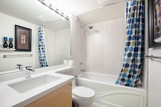 """Photo 7: 309 1889 ALBERNI Street in Vancouver: West End VW Condo for sale in """"LORD STANLEY"""" (Vancouver West)  : MLS®# R2343029"""