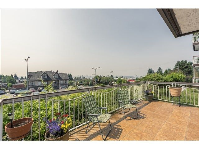 Main Photo: 103 3080 LONSDALE Ave in North Vancouver: Home for sale : MLS®# V1131017
