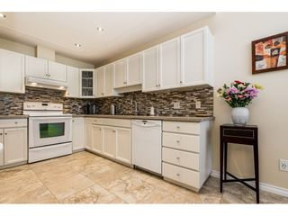 """Photo 8: 14 2672 151 Street in Surrey: Sunnyside Park Surrey Townhouse for sale in """"THE WESTERLEA"""" (South Surrey White Rock)  : MLS®# R2366733"""