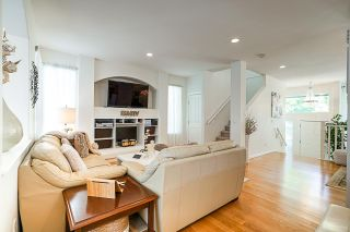 """Photo 6: 19849 69B Avenue in Langley: Willoughby Heights House for sale in """"Providence"""" : MLS®# R2394300"""