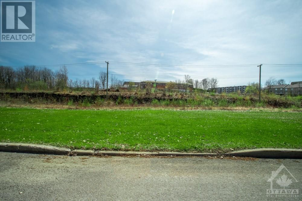 Main Photo: Lot 84 PORTELANCE AVENUE in Hawkesbury: Vacant Land for sale : MLS®# 1238632