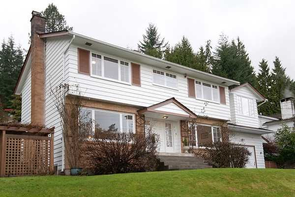 Photo 1: Photos: 115 BONNYMUIR Drive in West Vancouver: Glenmore House for sale : MLS®# V860701