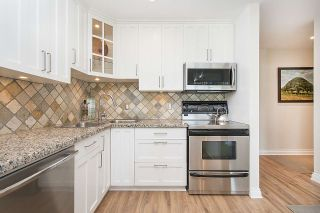 "Photo 6: 304 2255 YORK Avenue in Vancouver: Kitsilano Condo for sale in ""BEACH HOUSE"" (Vancouver West)  : MLS®# R2301531"