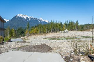 """Photo 2: 2910 HUCKLEBERRY Drive in Squamish: University Highlands Land for sale in """"University Heights"""" : MLS®# R2570038"""