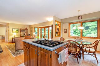 """Photo 6: 3091 HOSKINS Road in North Vancouver: Lynn Valley House for sale in """"Lynn Valley"""" : MLS®# R2465736"""