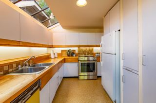 """Photo 16: 3669 W 14TH Avenue in Vancouver: Point Grey House for sale in """"Point Grey"""" (Vancouver West)  : MLS®# R2621436"""