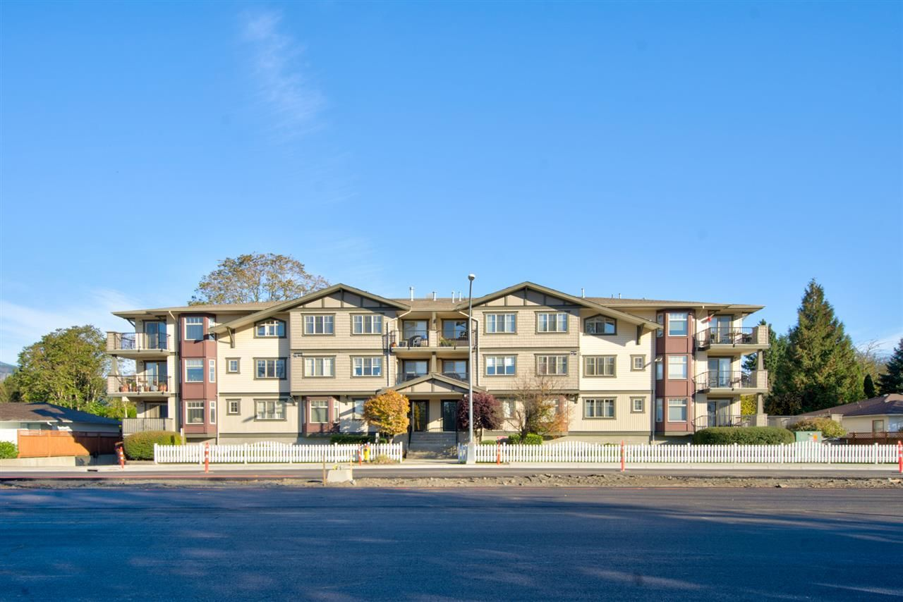 "Main Photo: 305 45535 SPADINA Avenue in Chilliwack: Chilliwack W Young-Well Condo for sale in ""Spadina Place"" : MLS®# R2537180"