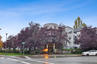 "Photo 1: 112 5465 201 Street in Langley: Langley City Condo for sale in ""Briarwood"" : MLS®# R2514305"