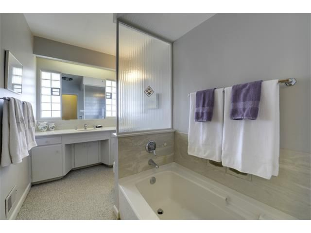 Photo 15: Photos: 2016 23 Avenue SW in Calgary: Richmond Park_Knobhl House for sale : MLS®# C4004301