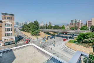 """Photo 12: 503 919 STATION Street in Vancouver: Mount Pleasant VE Condo for sale in """"LEFT BANK"""" (Vancouver East)  : MLS®# R2304592"""