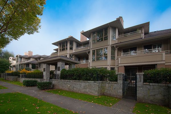 """Photo 1: Photos: # 311 3755 W 8TH AV in Vancouver: Point Grey Condo for sale in """"THE CUMBERLAND"""" (Vancouver West)  : MLS®# V1040579"""