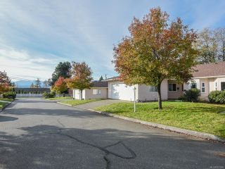 Photo 10: 3 2030 Robb Ave in COMOX: CV Comox (Town of) Row/Townhouse for sale (Comox Valley)  : MLS®# 831085