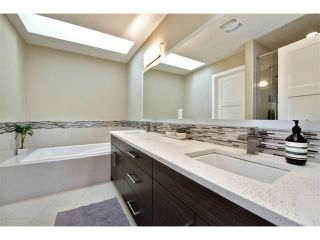 Photo 16: 931 33 Street NW in Calgary: Parkdale House for sale : MLS®# C4003919