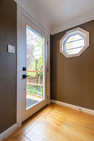 Photo 4: 4821 Cordova Bay Rd in : SE Cordova Bay House for sale (Saanich East)  : MLS®# 858939