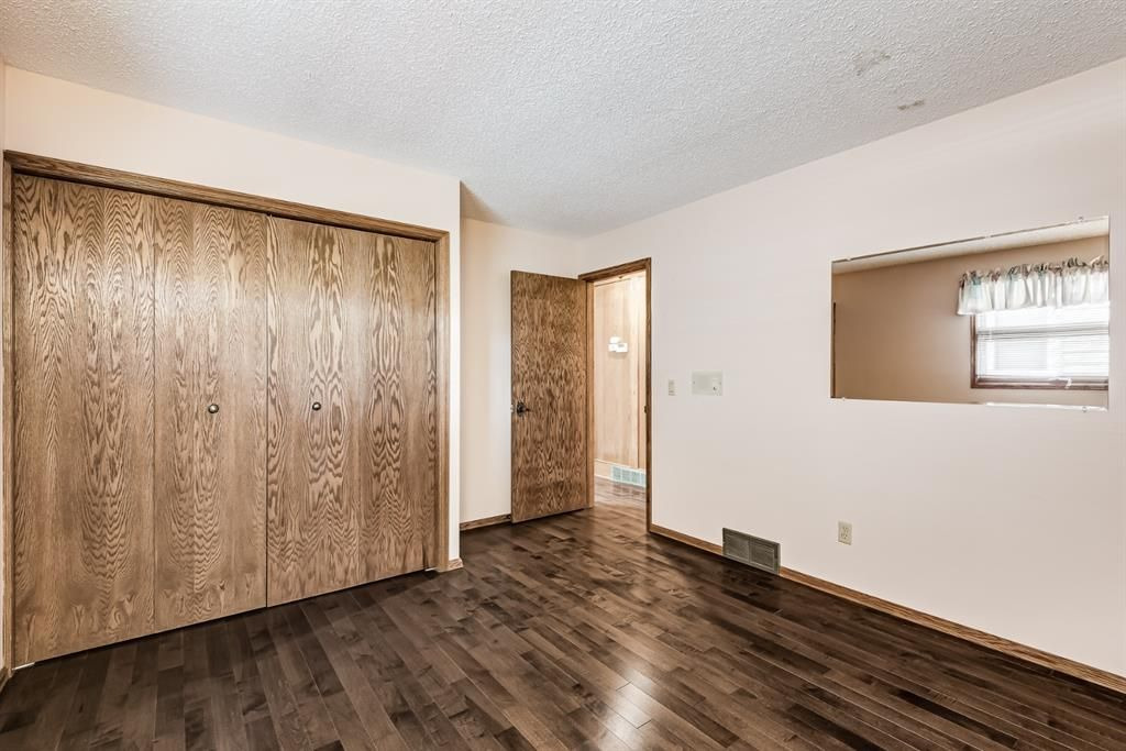 Photo 19: Photos: 156 Edgehill Close NW in Calgary: Edgemont Detached for sale : MLS®# A1127725