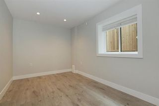 Photo 17: 233 W 19TH Street in North Vancouver: Central Lonsdale 1/2 Duplex for sale : MLS®# R2202782