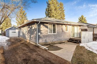Photo 2: 8828 34 Avenue NW in Calgary: Bowness Detached for sale : MLS®# A1075550